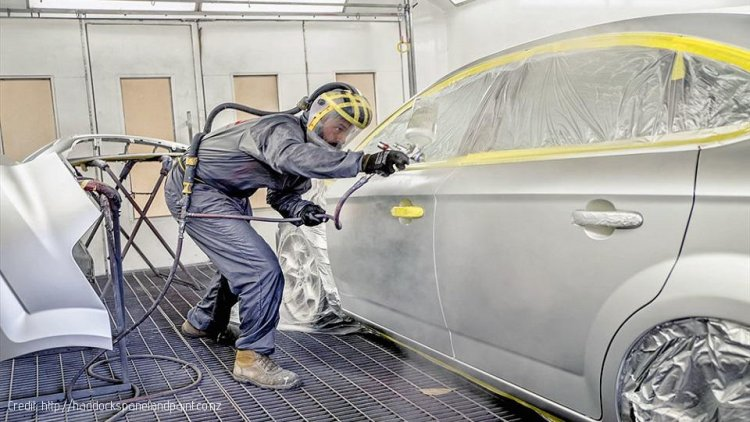 Spray Painters at Risk from Solvents - Study